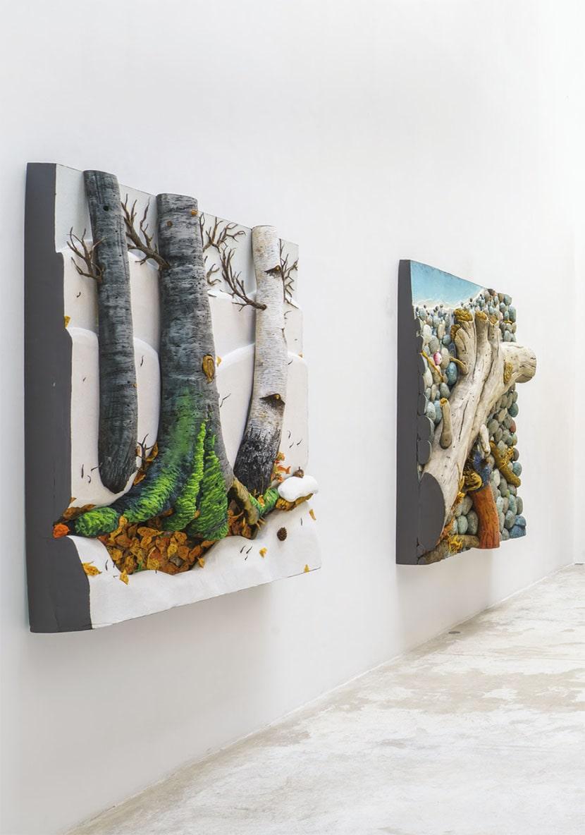 Piero Gilardi, Dalla Natura all'Arte, due vedute della mostra, Michel Rein, Parigi, 2020. Foto Florian Kleinefenn. Courtesy l'artista e Michel Rein, Paris/Brussels