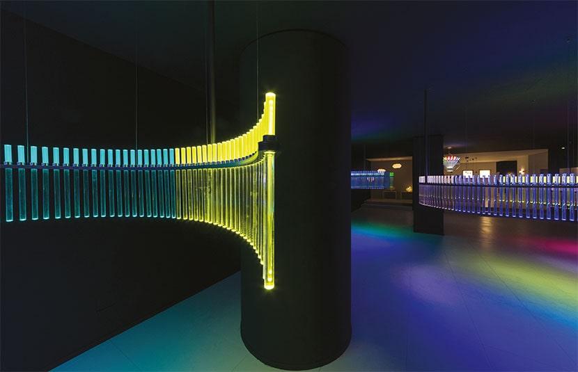 Philippe Rahm, Spectral Light, Artemide Showroom, Milano. Foto Federico Villa