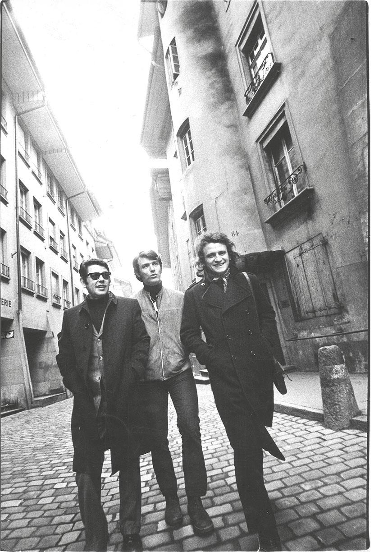 da sinistra: Vittorio Brandi Rubiu, Fabio Sargentini, Eliseo Mattiacci a Berna in occasione della mostra When Attitudes Become Forms, marzo 1969. Foto Claudio Abate. Archivio L'Attico, Roma