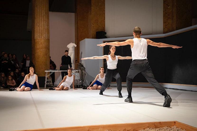 Rachel Monosov, Olympia, performance al Palazzo delle Esposizioni, Roma, 2019. Courtesy Galleria Giorgio Galotti